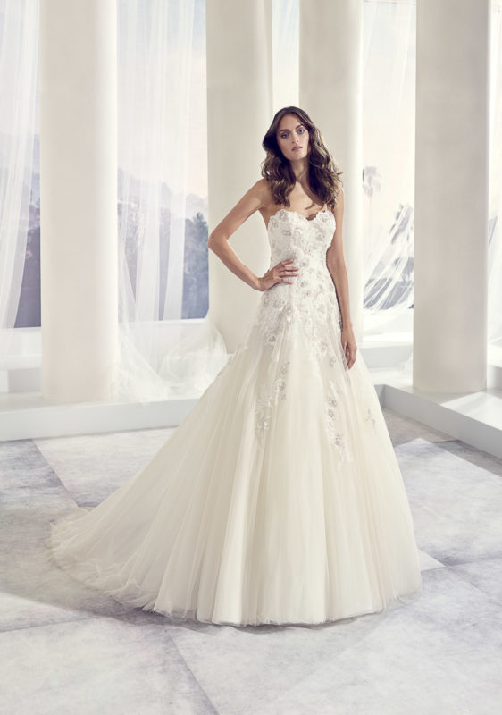 Autumn Modeca Bridal Hello Romeo Bridal Boutique